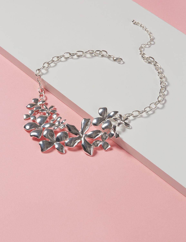 Lane Bryant Womens Metal Petal Bib Necklace ONESZ Silver Tone