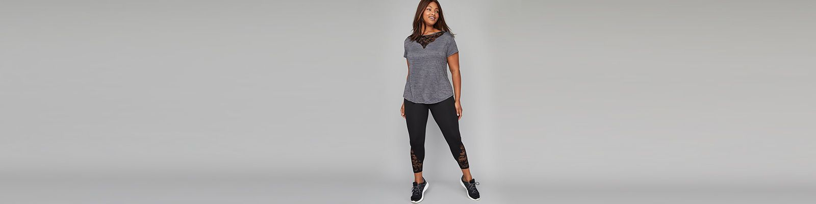Plus size active leggings, sport bra and tee with pink and black details