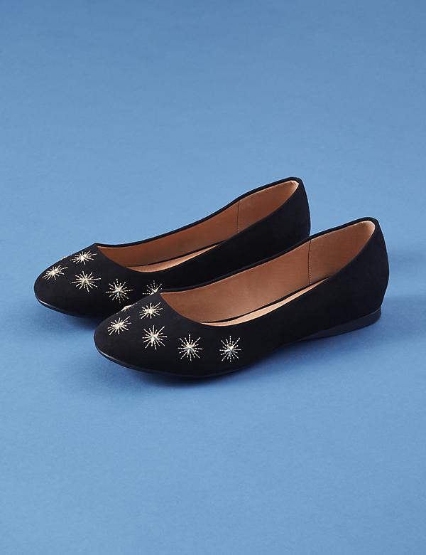 Star Studded Round-Toe Flat