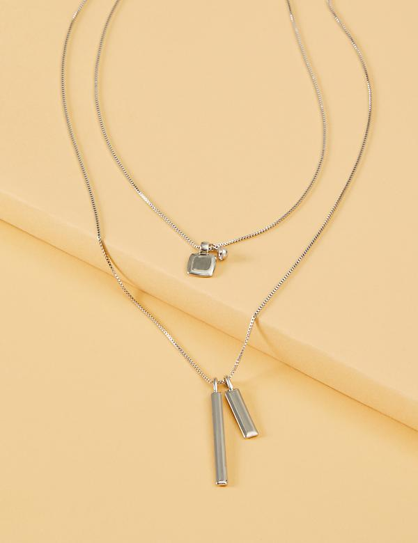 2-Layer Metal Pendant Necklace