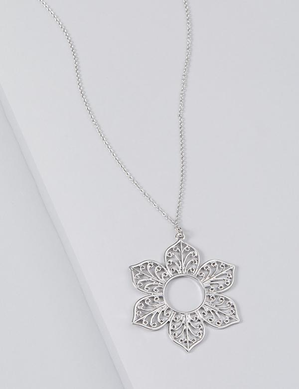 Filigree Floral Pendant Necklace