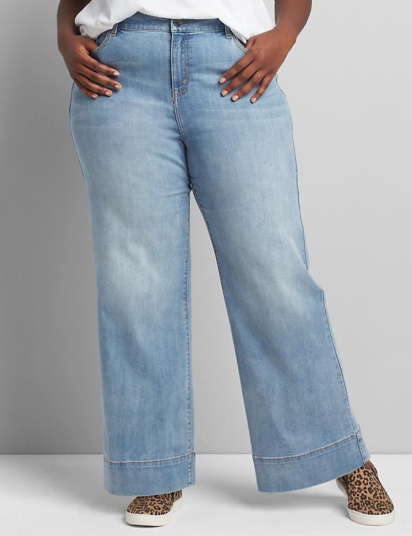 Signature Fit Wide Leg Jean - Light Wash