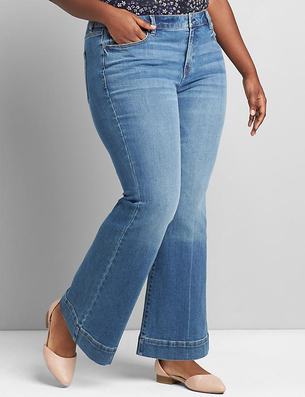 Signature Fit Flare Jean - Medium Wash