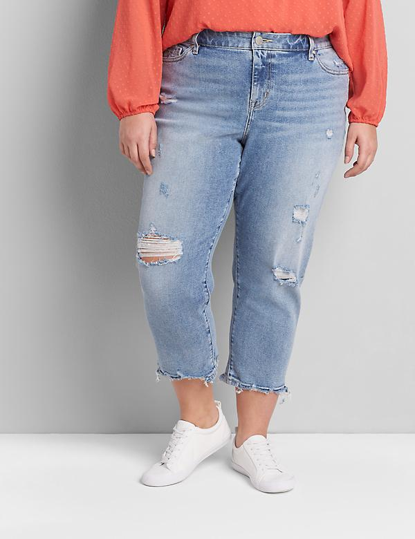 Signature Fit Boyfriend Capri Jean - Light Wash