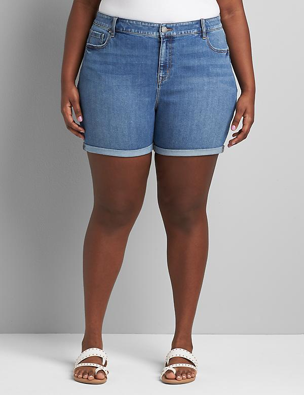 Signature Fit Boyfriend Midi Short - Medium Wash
