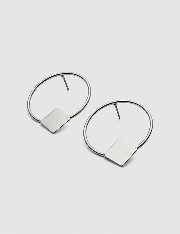 Front-Facing Circle Drop Earrings
